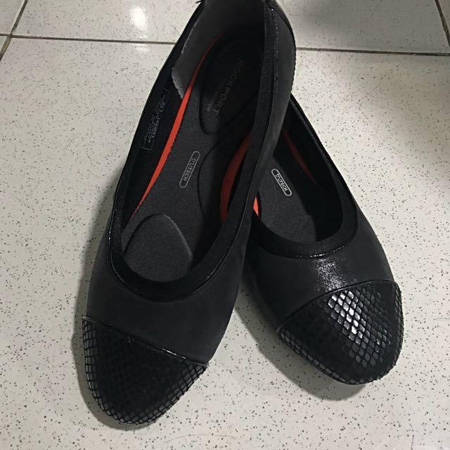 Rockport flat shoes