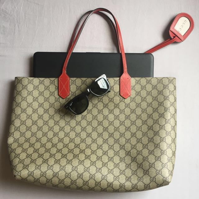 RUSH SALE Gucci Reversible Medium Tote in Red Leather