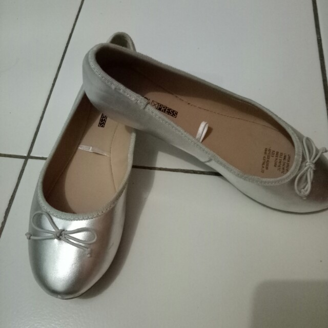 Silver flat shoes a72b1d00db