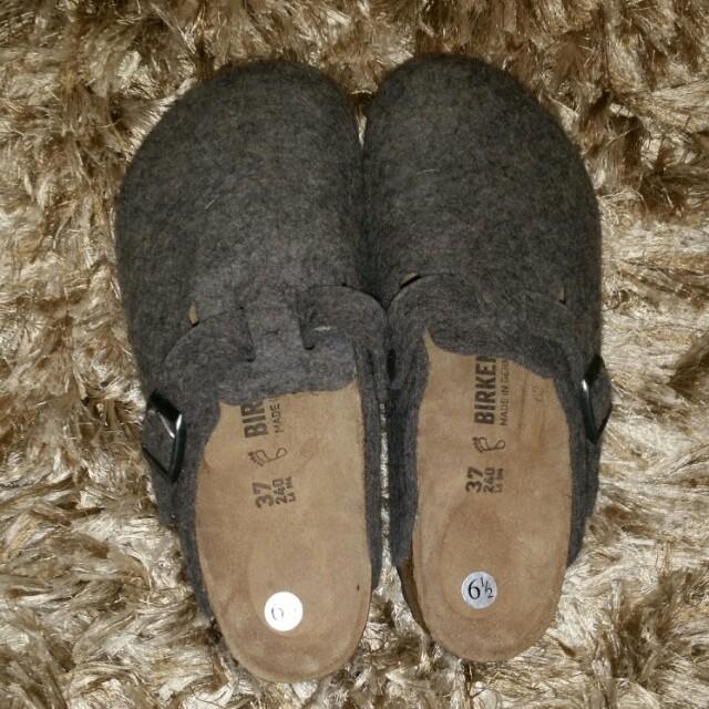 Size 6.5 Birkenstock Wool Clogs