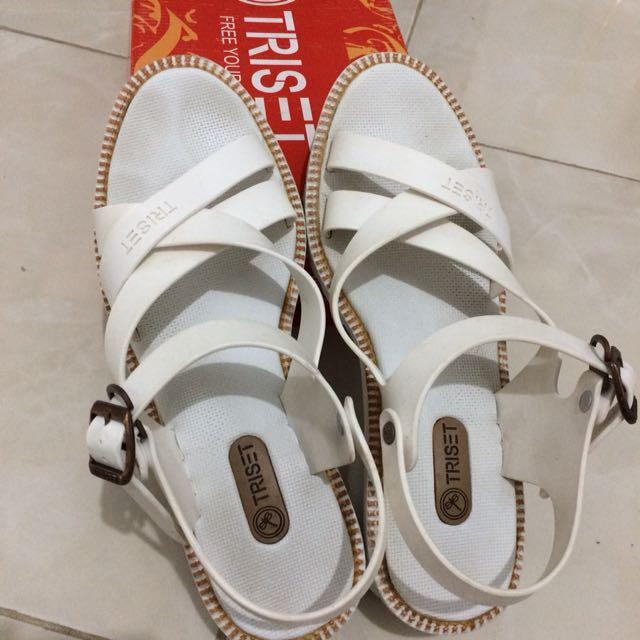 Triset White Shoes