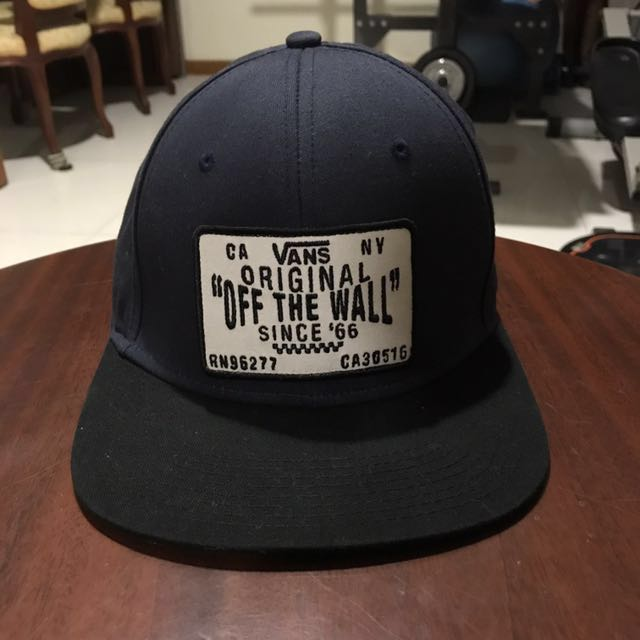32e15898803 VANS OFF THE WALL SnapBack