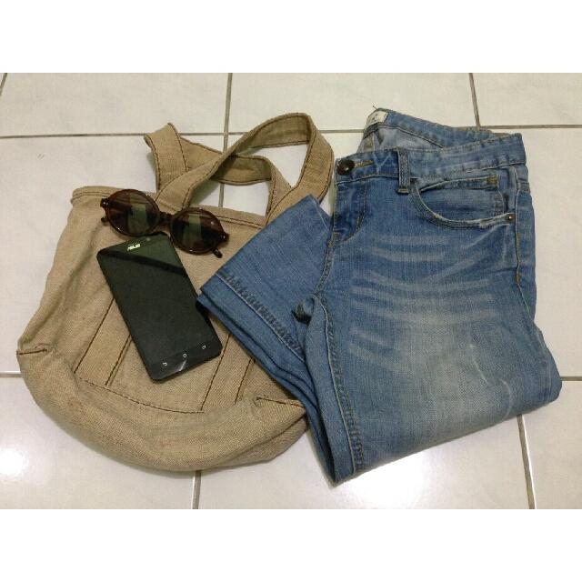 VIVA ripped jeans