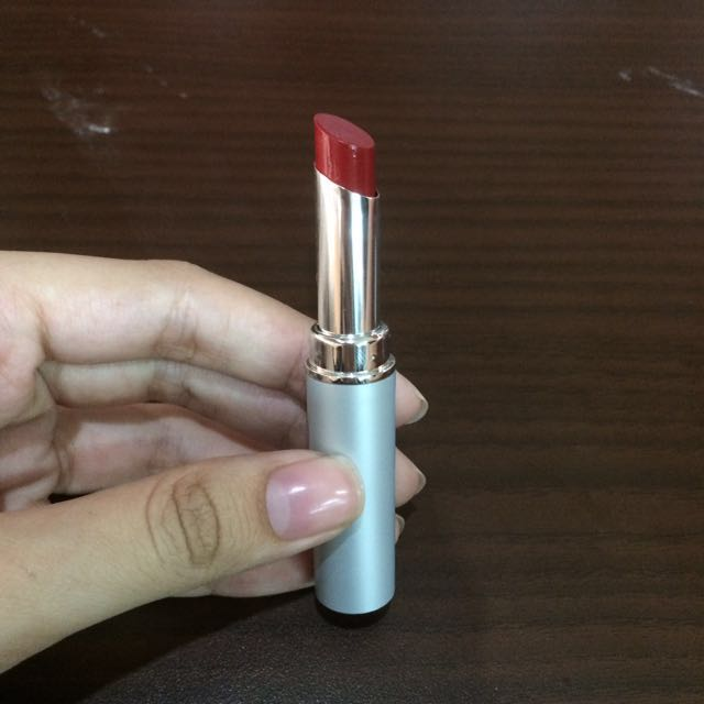 Wardah Longlasting Lipstick in No. 13 Lustrous Red