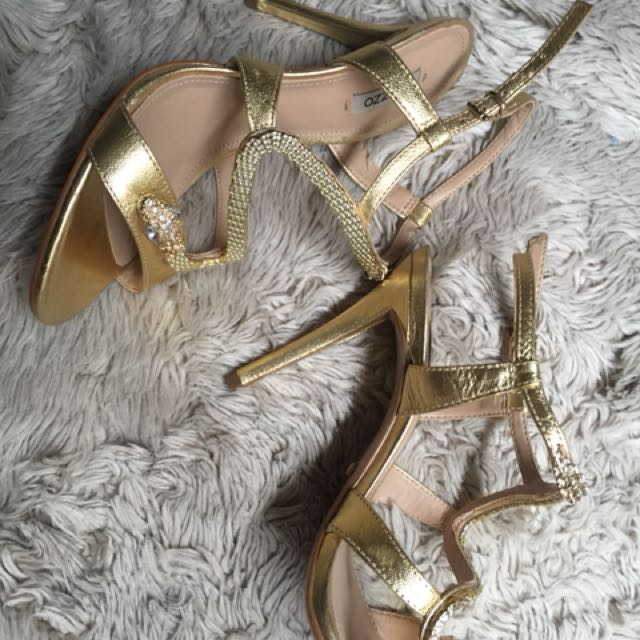 Wedding shoes Gold