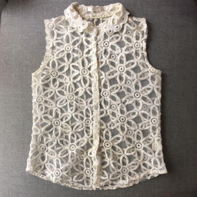 Women size 6 Sheer lace mesh top