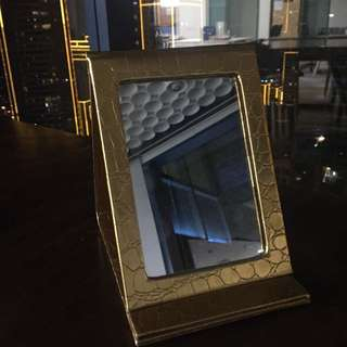 Preloved foldable mirror in good condition