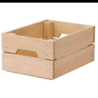 Rental: Wooden crate