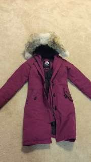 Authentic Canada Goose parka jacket  size S in kids