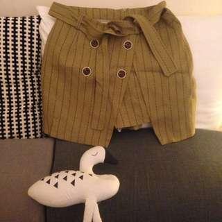 全新學院風橄欖綠褐色褲裙