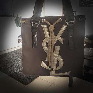 $200 Neg. AUTHENTIC  ☆☆YvesSaintLauent☆☆ Tote.    Pristine condition