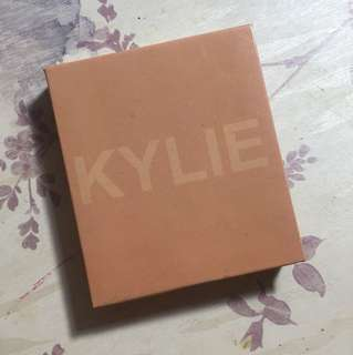 Kylie Cosmetics Kylighter (inspired)