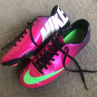 NIKE Women's Football boots size 7