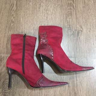 BN English Pointy Garnet Red Boots Suede Mid Calf Zip Pointed