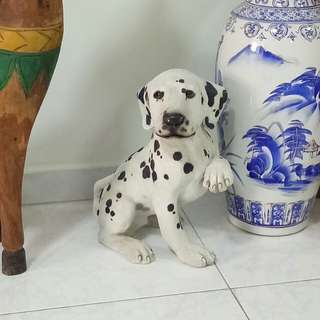 Stone display spotty dog