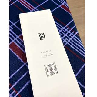 Brand new, elegant Japanese furoshiki cloth from Japan. Used to wrap objects or scarf.