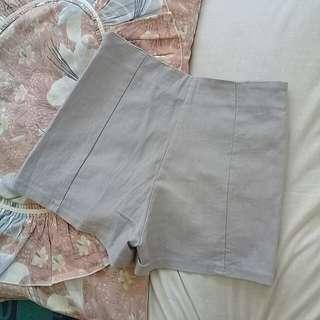Stretchable shorts