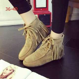 semi ankle boots