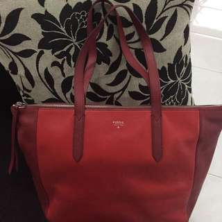Fossil red shopper