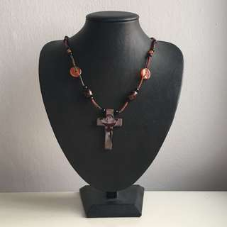 Brand New: Cross pendant crystal Necklace