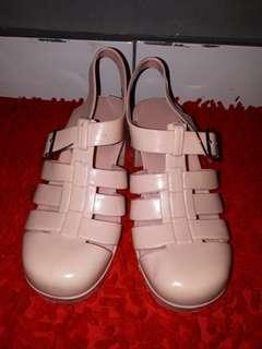 Sepatu sendal jelly