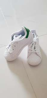 Adidas Stan Smith Kids Shoes (US7)
