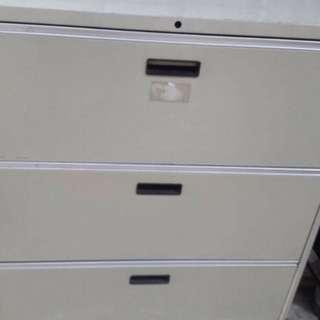 「二手」三層理想櫃 三層鐵櫃 加裝輪子方便拖拉 1個$1000,2個一起買$1800(限自取)