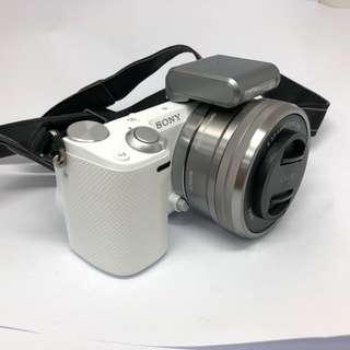 Sony NEX 5R 連 16-50mm kit 鏡,55-210mm 長鏡,原裝充電 及 原裝閃燈