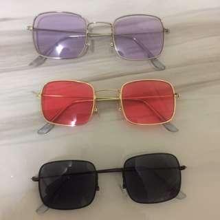 Kacamata warna kotak