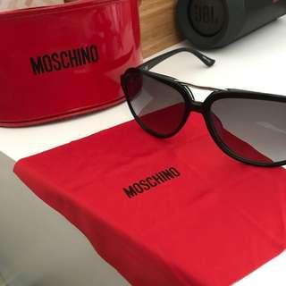 Moschino Sunglasses 😎