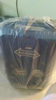 🚚 Brand New Arnold Palmer 24-Inch Luggage (Branded)