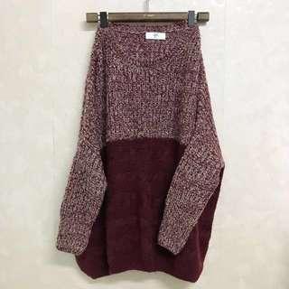 二手 紅色長+寬版毛衣 (不含運)