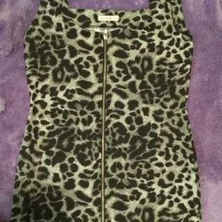 Supre size XL zip front animal print dress