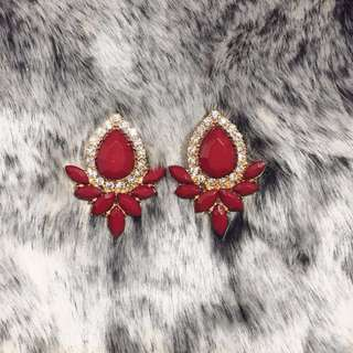Wine red earings