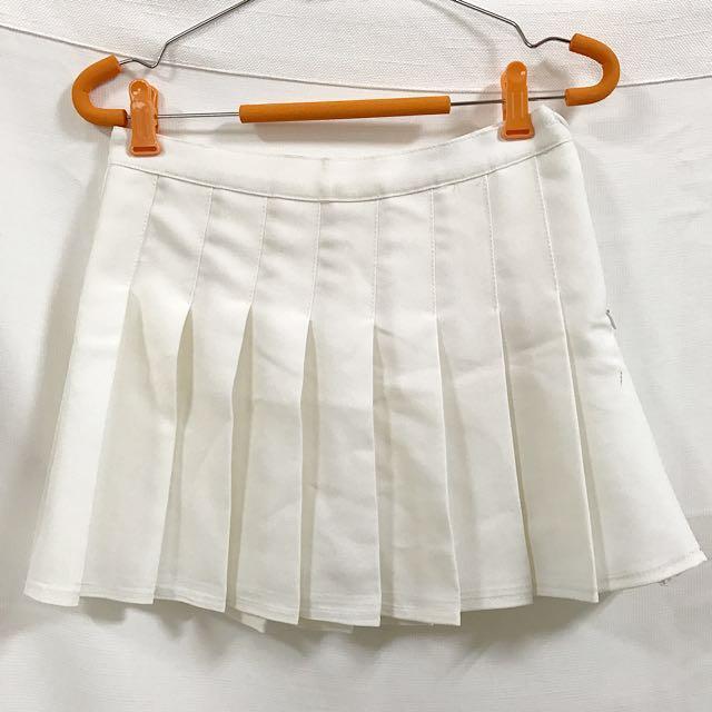 白色百褶短裙百褶裙