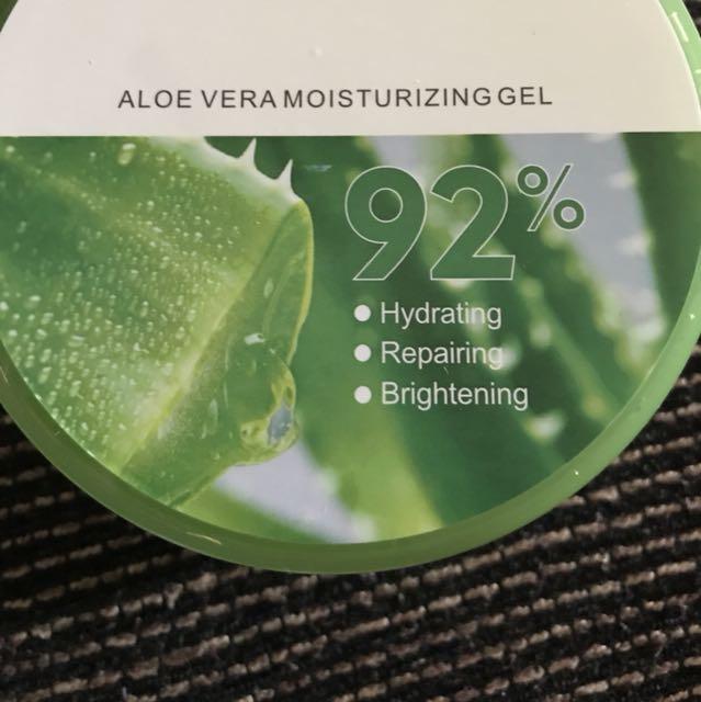 Aloe Vera Moisturizing Gel for Skin and Hair