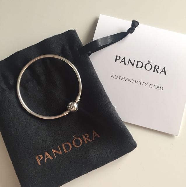 Authentic pandora limited edition bangle (Size s)