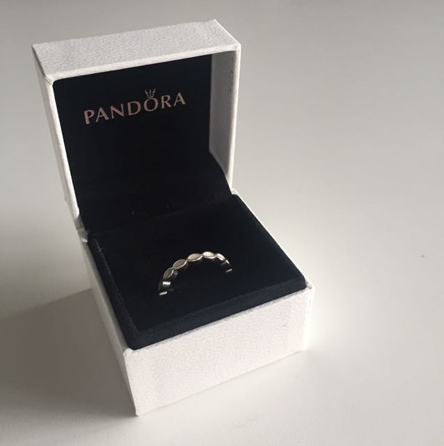 Authentic pandora ring size 54