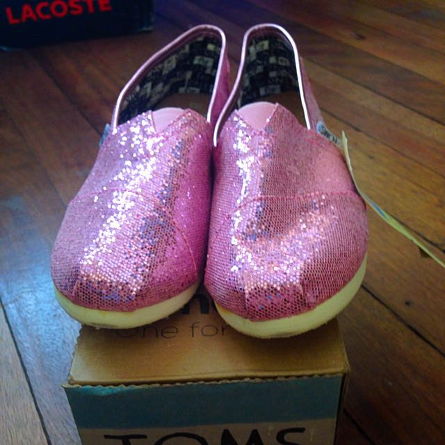 Authentic Toms Slip Ons