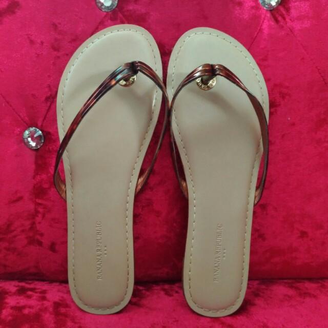 5e5aa69b5538 REPRICED!! BANANA REPUBLIC Mazzy Thong Sandals Flip Flop