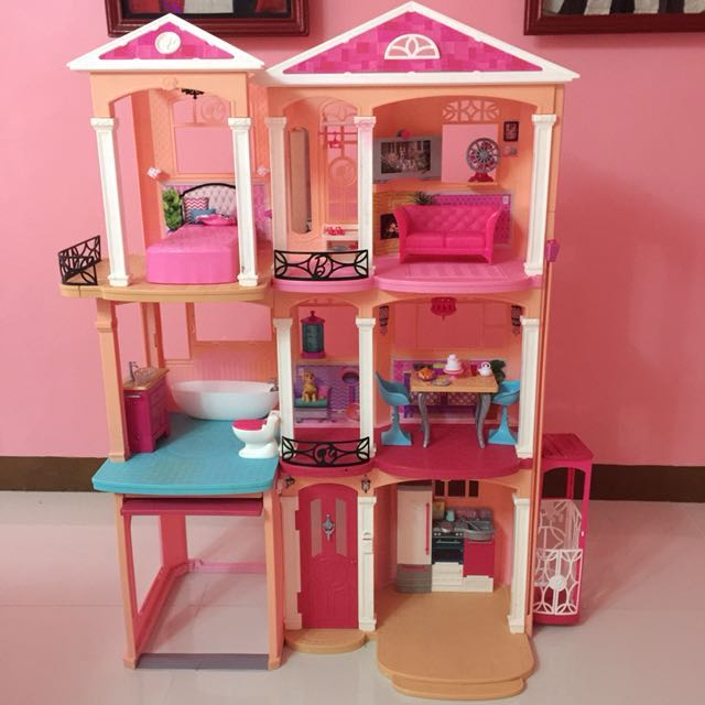 Barbie Dream House Toys Games Toys On Carousell