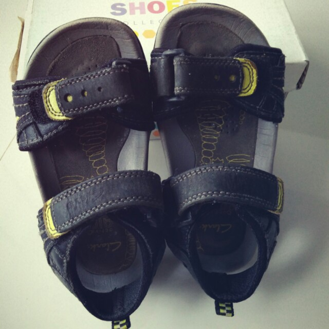 f20e0f41f20a Clarks Boy s Active Air Sandals