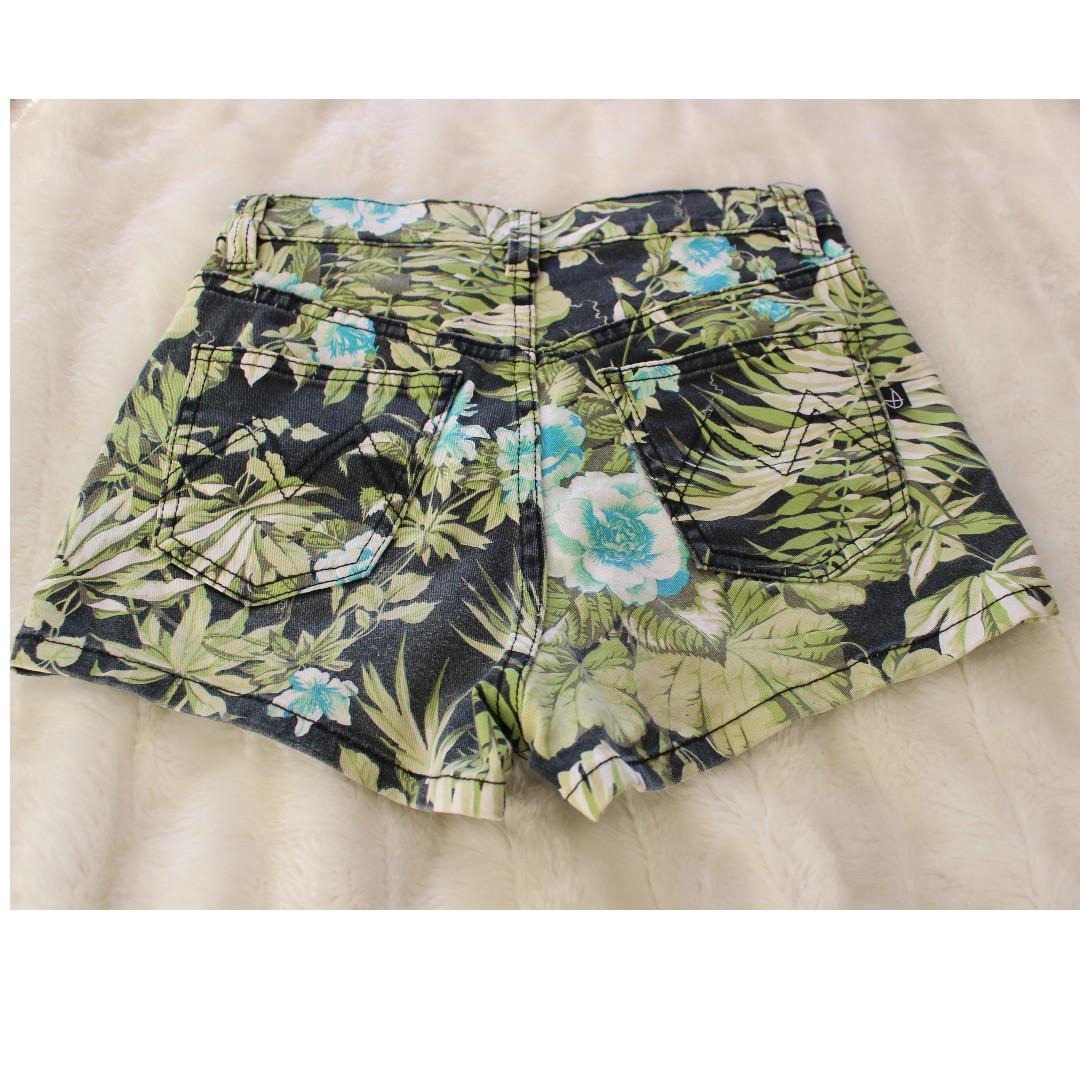 Milk Pink - Floral Denim Shorts - Size XS