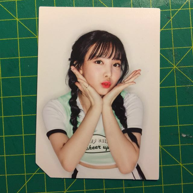26/)TWICE 2nd Album PAGE TWO Cheer Up Lenticular Card Nayeon Photo