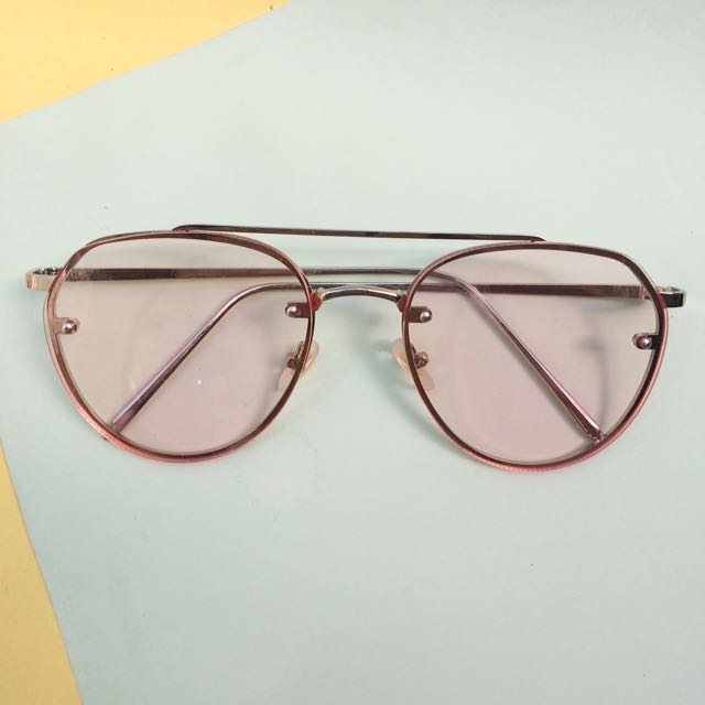 NEW 80's Sunglasses in Pink