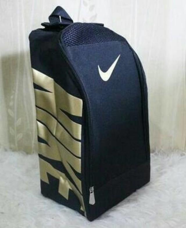 429b3d8bd1df Nike gold Shoe Bag