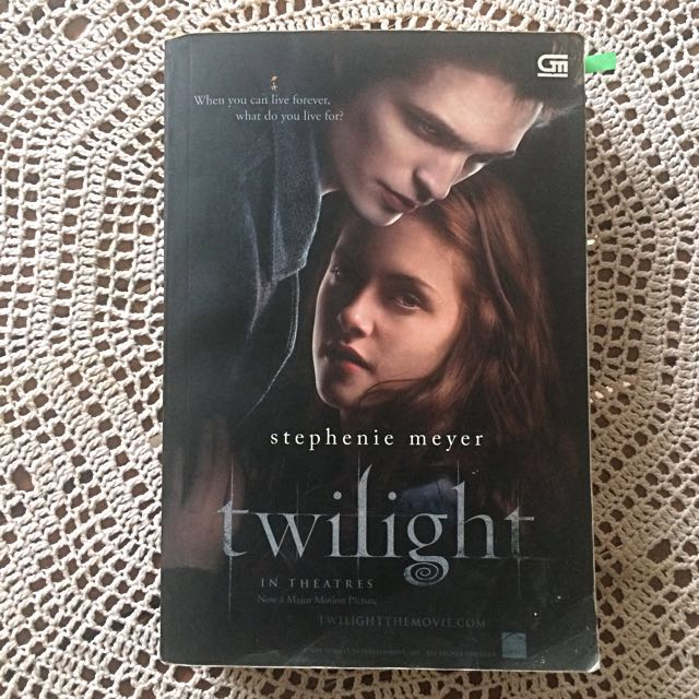 Novel Twilight spesial in theatre
