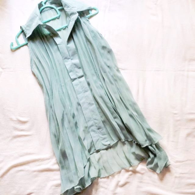 🚩RM 25🚩 [NEW] Pleated Drape Tank In Gorgeous Green.