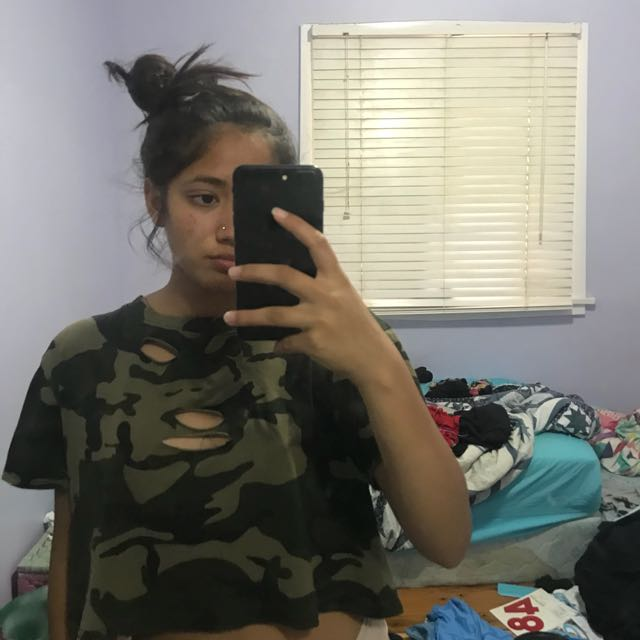 Size small oversized crop camo