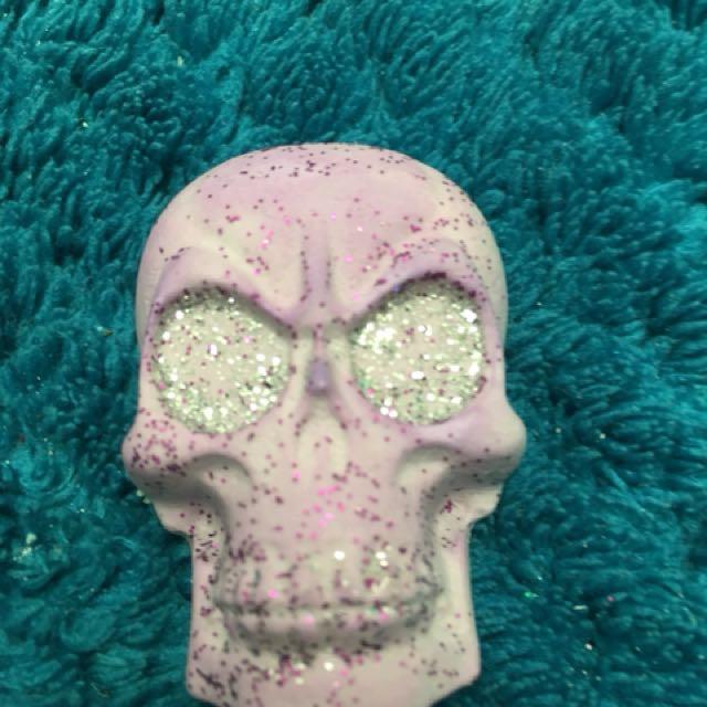 Skull plaster cast painted or unpainted